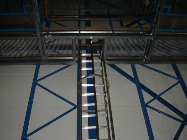 Becton & Dickinson - Belgie - stavba regálu chladící haly (14)