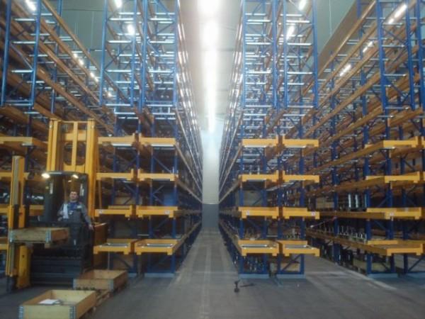 Renk AG - Německo - paletový regál pro zakladač (1)