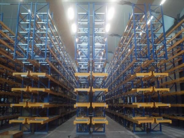 Renk AG - Německo - paletový regál pro zakladač (3)